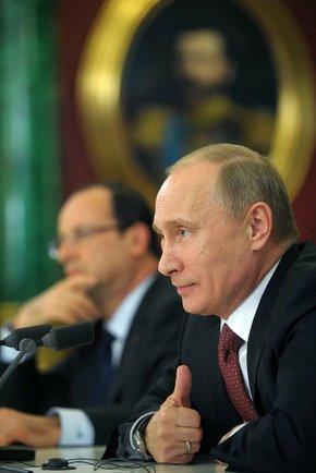 Год спустя: Путину пеняют за рост цен и высокую инфляцию