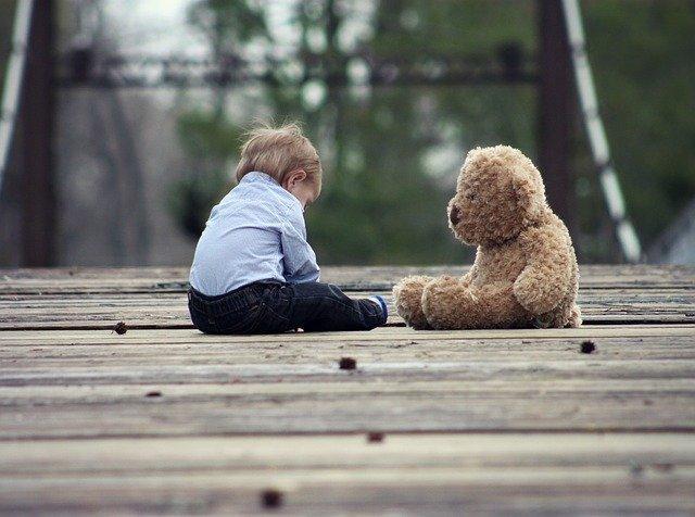 В Твери воспитательница детдома побила ребенка за сорванный цветок