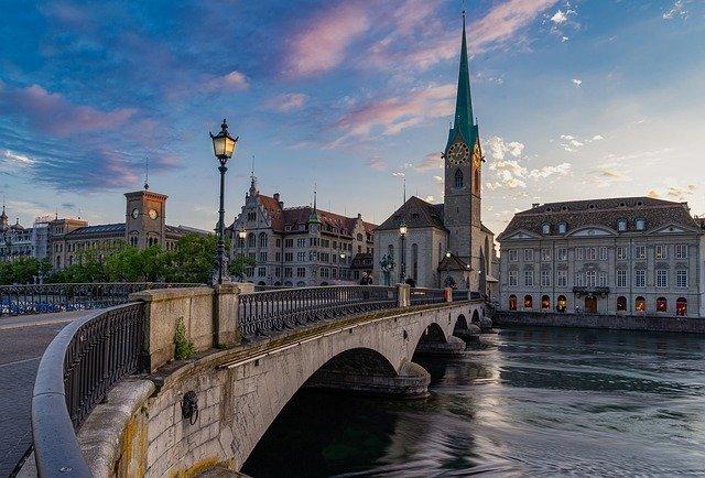 Швейцария отменила карантин для российских туристов