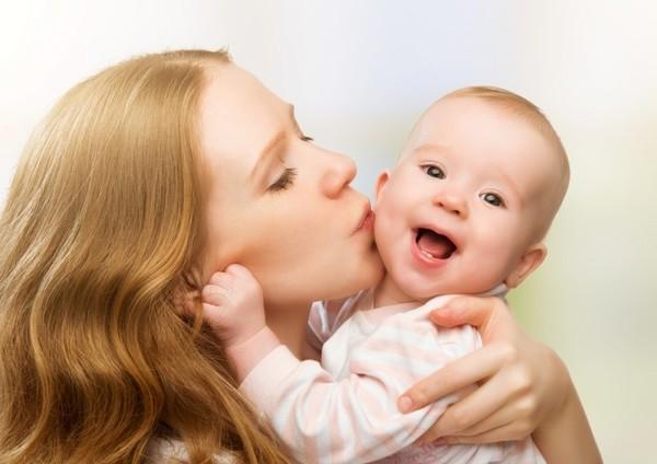 После первых родов у женщин голос становится низким