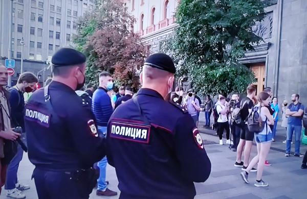 В Астраханской области мать убила сына и замуровала его тело в бетон