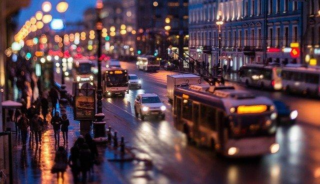 Власти Петербурга назвали условие для смягчения ограничений