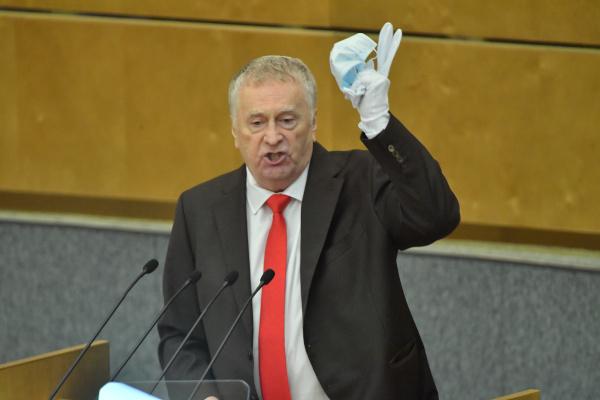 Жириновский раскритиковал качество медицинских масок