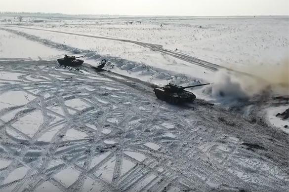 Видеоролик, на котором танкисты отрабатывают новую тактику, показало Миноборны