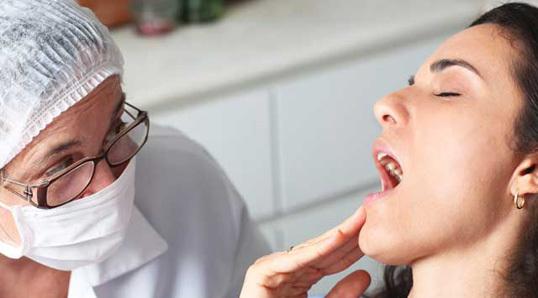 Болезнь Альцгеймера и плохое состояние зубов могут быть взаимосвязаны