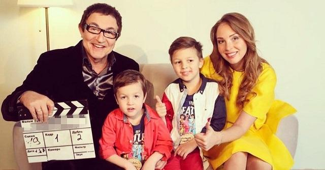 Пятилетний сын Диброва осваивает профессию телеведущего