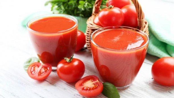 При гипертонии поможет томатный сок