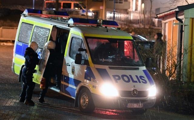 На юге Стокгольма в жилом доме прогремел взрыв