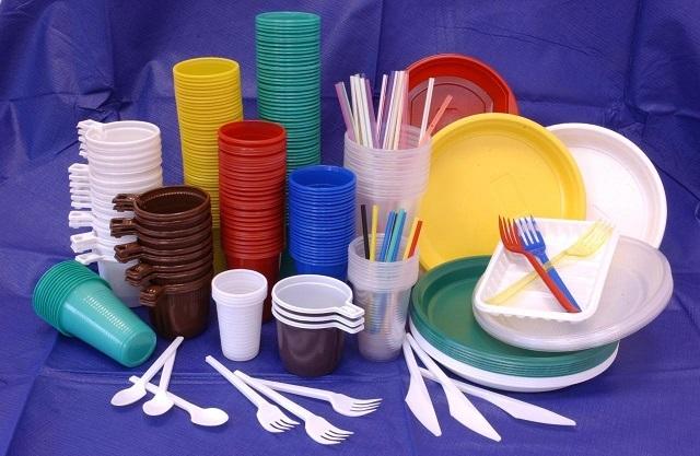 Ученые: пластиковая посуда вредна для здоровья