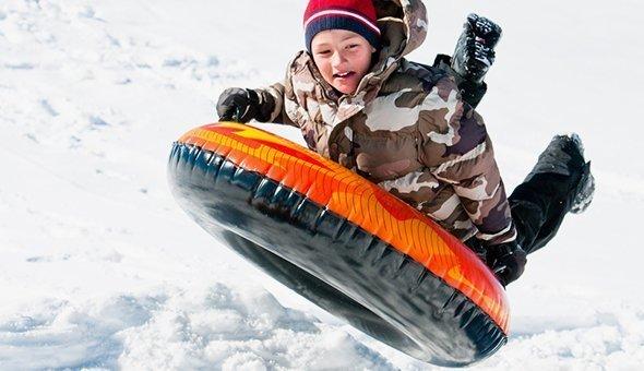 С начала зимы более 20 детей поступили в центр Рошаля с травмами после катания на тюбинге