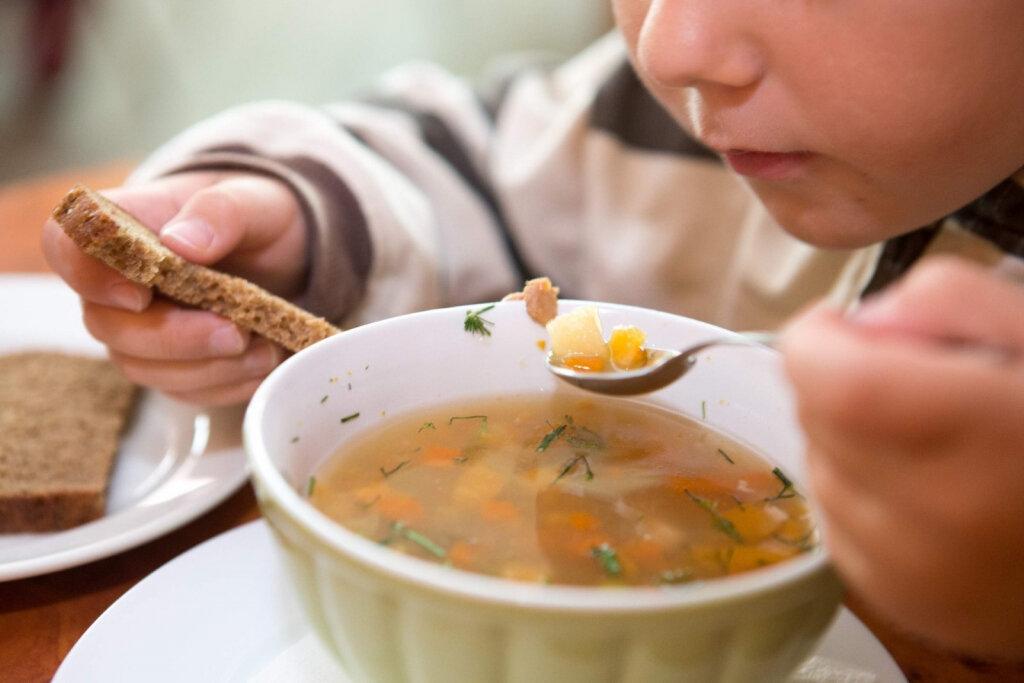 Контроль за питанием в детских садах Петербурга остаётся на низком уровне