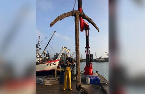 Рыбаки нашлиякорь легендарного корабля XVII века