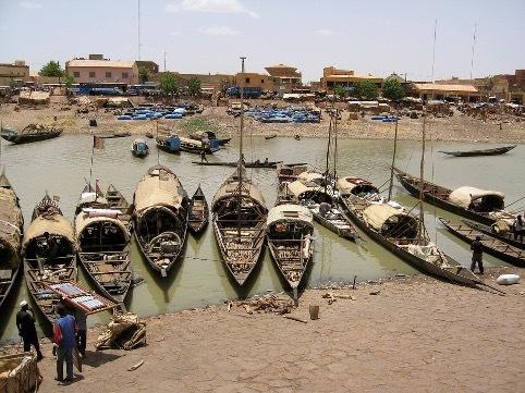 Колониальные амбиции Макрона привели к госперевороту в Мали