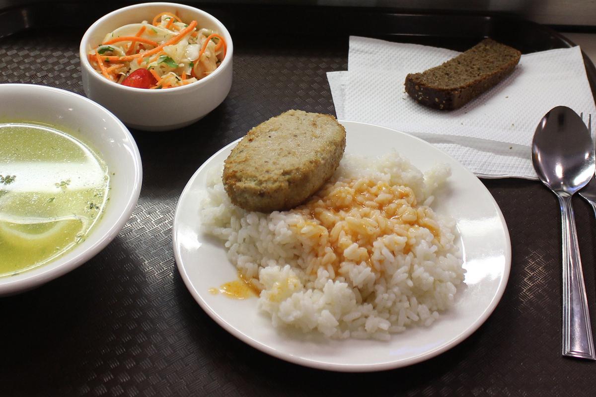 Школьники Приамурья не получали на обед здоровую пищу — Роспотребнадзор