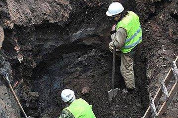 Клад возрастом в 300 лет нашли в центре Москвы