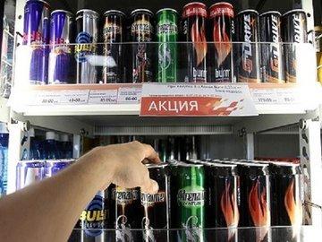 Медики предупредили об опасности кофе и энергетиков для детей