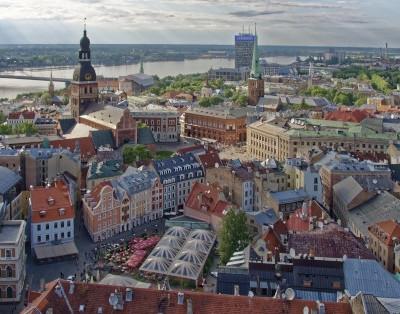 В Латвии предложили сделать общение на русском языке платным