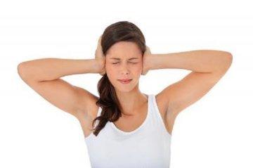 Раздражение от некоторых звуков говорит о неврологическом симптоме