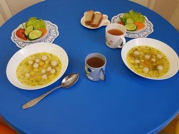 На обед школьникам предложат фриттату с овощами и булгур