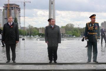 75-летие Великой Победы: Василий Голубев почтил память павших