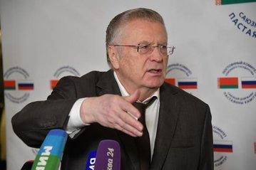 Жириновский заявил, что готов испытать на себе вакцину от COVID-19