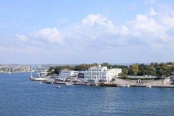 Севастополь готов принимать туристов с 15 июня