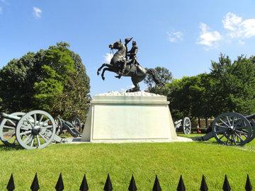 В США вандалы повредили статую президента Эндрю Джексона