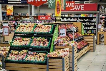 Россияне повысили расходы на базовые продукты питания